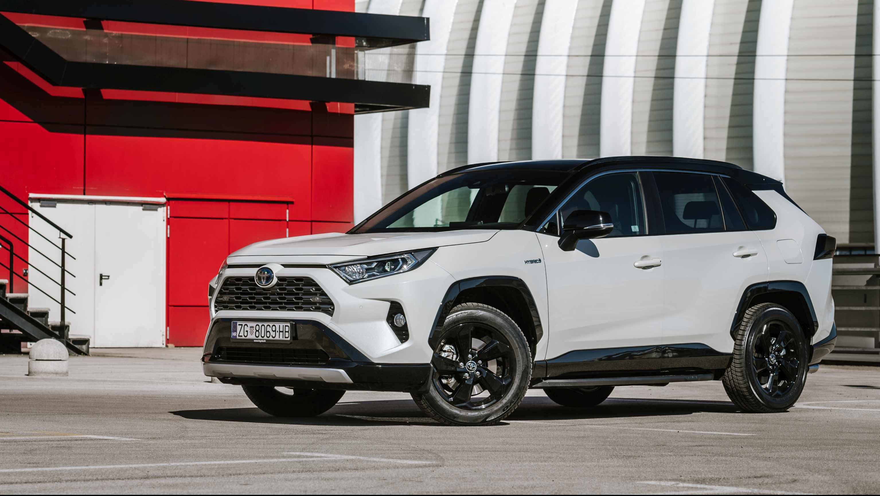Image forTest Toyota RAV4 Hybird 2WD Style