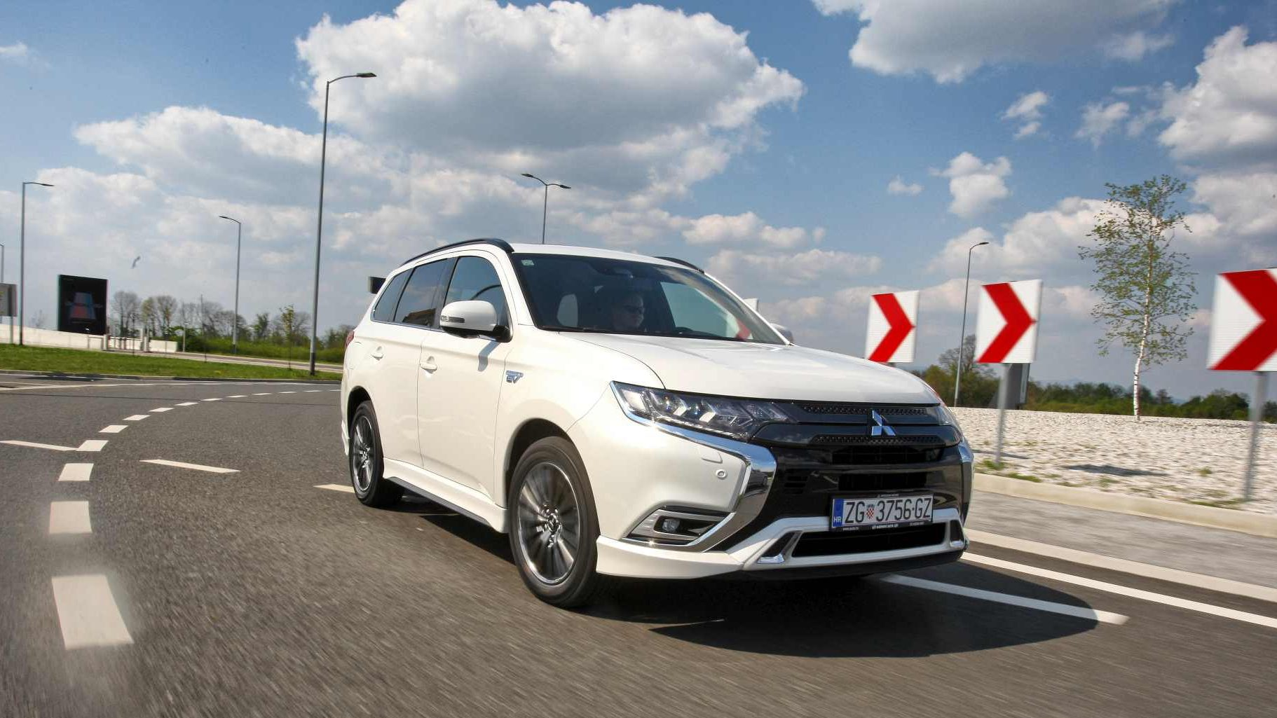 Image for TEST Mitsubishi Outlander PHEV